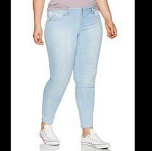 Wax Jeans   Light Wash Plus Size Jeggings